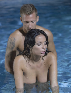 Anissa Kate Fucked In The Pool