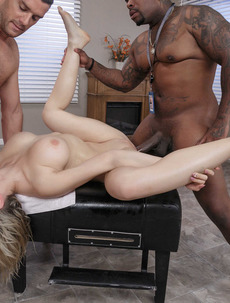 Kagney Linn Karter Dirty Masseur