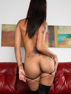 Skin Diamond Masturbates With Glass Dildo!