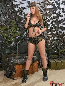 Camo Babe Expossing Her Huge Tits