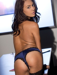 Janice Griffith Slowly Removes Her Sexy Outfit