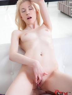 Euro Teen Pussy Play