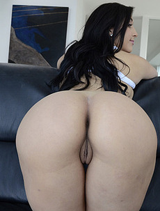 Valerie Kay Loves A Big Fat Cock