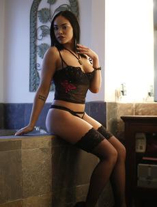 Busty Latina Selena Santana
