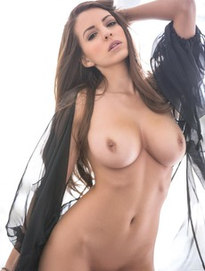 Shelby Chesnes Looks Perfect