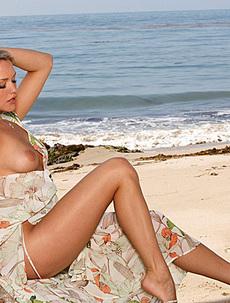 Twistys Babe Mia Malkova Infinite Beauty
