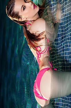 Elizabeth Marxs In The Pool