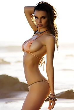 Emily Ratajkowski Bikini Shoots