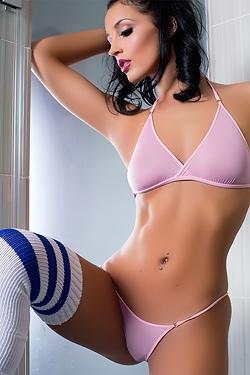 Kendra Cantara Classic Beauty