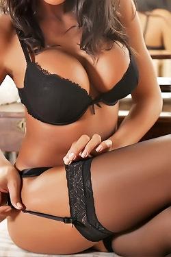 Fernanda Ferrari In Sexy Black Lingerie