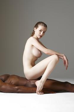 Lovely Emily Bloom In Interracial Nude Art Scene