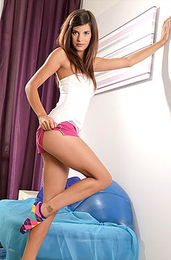 Kaylee nasty sex toys