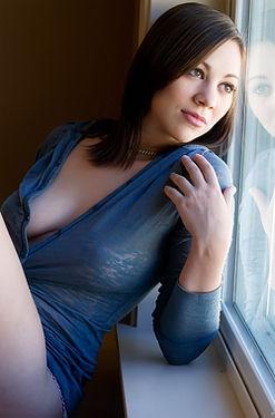 Sexy Pale Babe Veronika