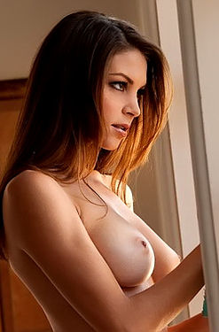 Temptingd Amber Sym Stripping