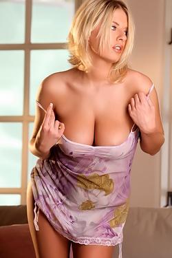 Riley Evans Shows Her Big Boobs