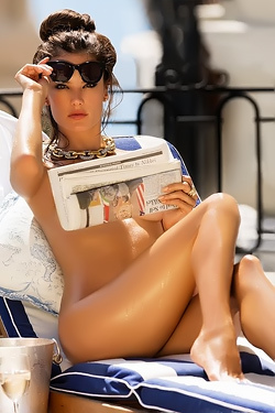 Alessandra Ambrosio Incredibly Sexy
