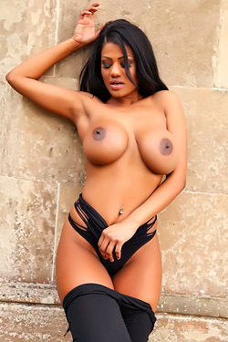 Sophia Lares Flashing Black Nipples