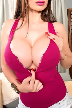 Eva Karera Showing Her Gigantic Tits