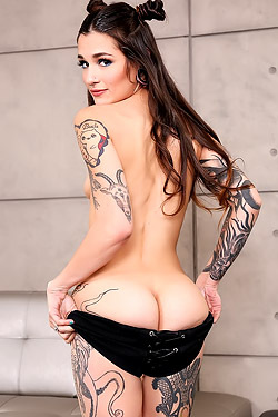 Amazing Tattooes Teen Luna Lovely
