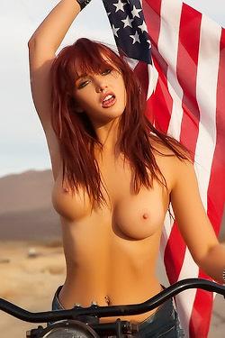 Sexy Redhead Veronica Ricci