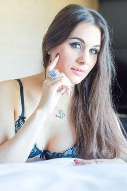 Sexy Chick Clara Sweet