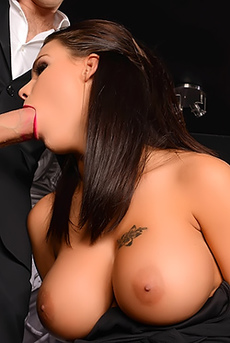 Peta Jensen Gets Drilled In A Club