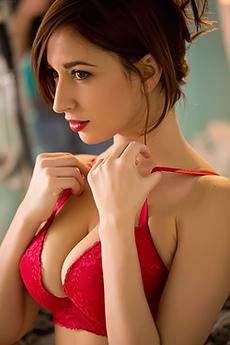 Busty Diva Shay Laren