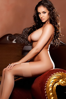 Jaclyn Swedberg Proudly Display All