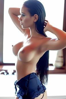 Vivien Takes A Hot Erotic Bath