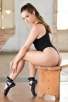 Hot Balerine Cassidy Klein