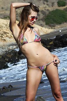 Eufrat Sexy Babe In Hot Bikini