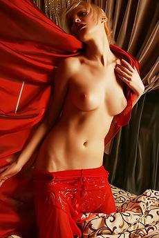 Kira W In Erotic Art Pictures