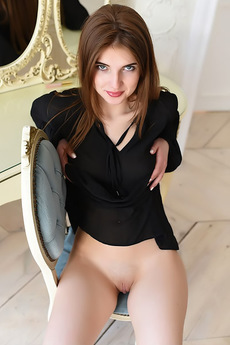 Lovely Brunette Caramel